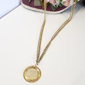 Gorgeous & Unique Vintage Gold tone Necklace